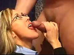 Amateur Business Milf Gives Great Blowjob