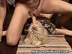 Dirty mom swallow the sperm