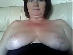 Stacked Plump British Momma Is Ready For A Damn Hot Webcam Chat