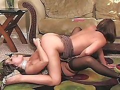Lesbian milfs in 69 and licking pussy on floor and toying pu...